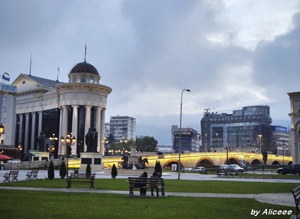 Skopje-priveliste-noaptea