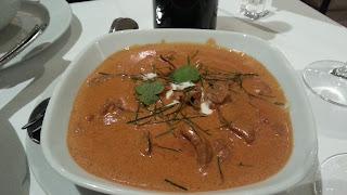Tiras de solomillo de ternera al curry rojo estilo panaeng