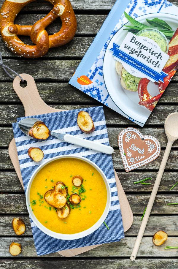 [Rezension] Bayerisch vegetarisch von Birgit Fazis und Rezept für Kürbiscremesuppe mit Brezen-Croûtons