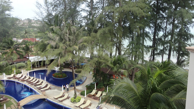 Piscina do hotel Best Western Premier Bangtao Beach Resort & Spa