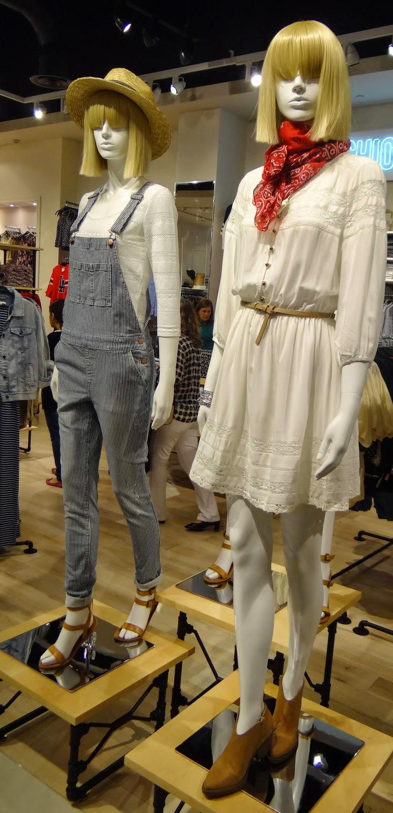 31d4044e2b2 Fotinhas da vitrine e manequins. As roupas são muito bonitas