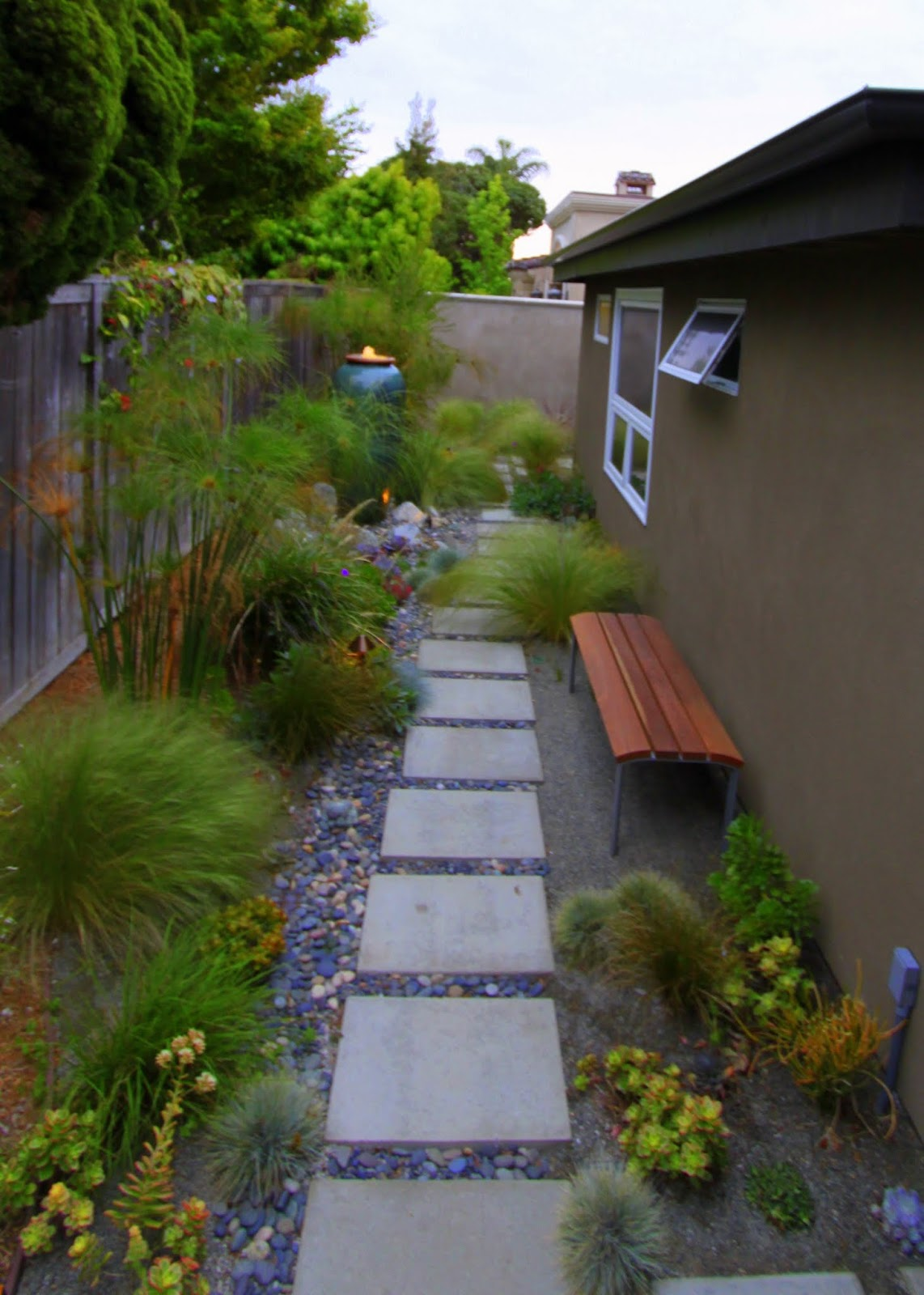 hunt for a mid-century modern garden bench | mid-century ... on Small Side Yard Ideas id=36869
