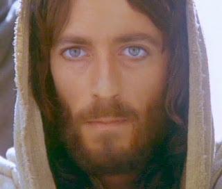 Jézus üzenete: Látlak Titeket