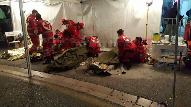 Λιώμα από το ποτό στην Πάτρα - Δεκάδες περιστατικά μέθης στη νυχτερινή παρελαση των καρναβαλιστών