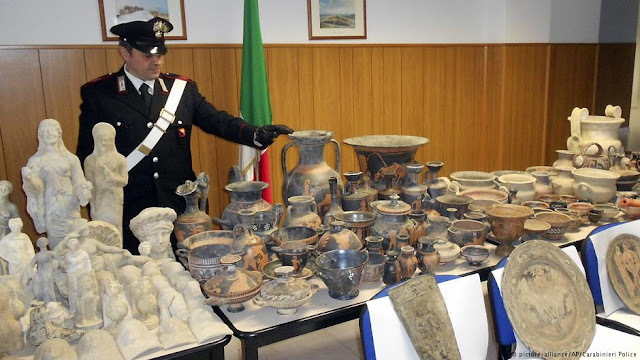 Italian police bust ancient artefact trafficking gang