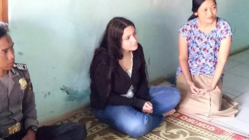 Ilaria datang ke Batang demi cintanya