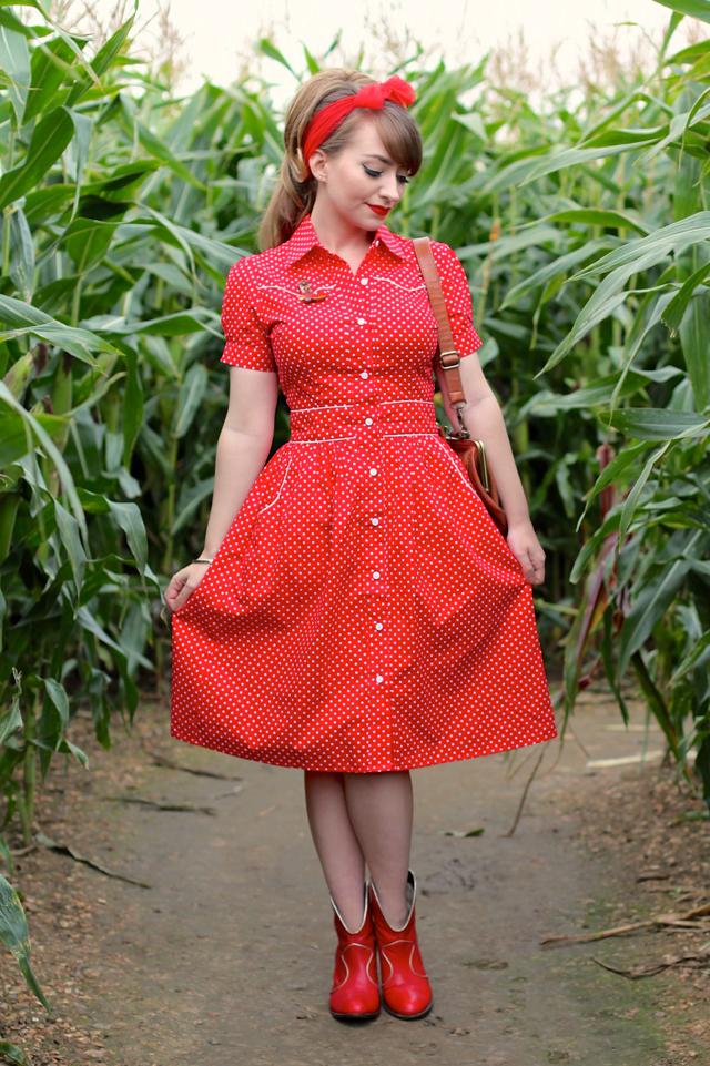Rockabilly Gal dress by Happy Yellow Dress - 50s style polka dot shirt dress