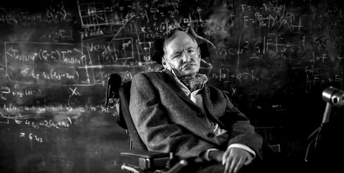 Kim bu Stephen Hawking?