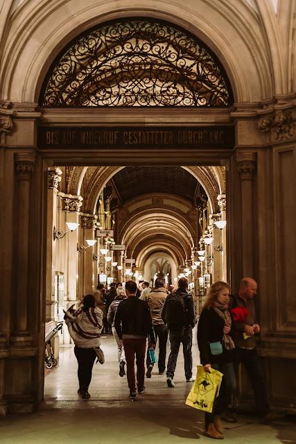 Wien,Impressionen, Pomponetti, Ferstel Passage