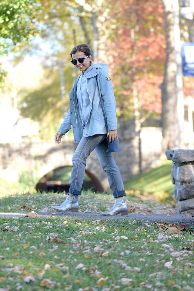 Wearing: Jacket: LightInTheBox Boots: Charlotte Russe (Similar Here)