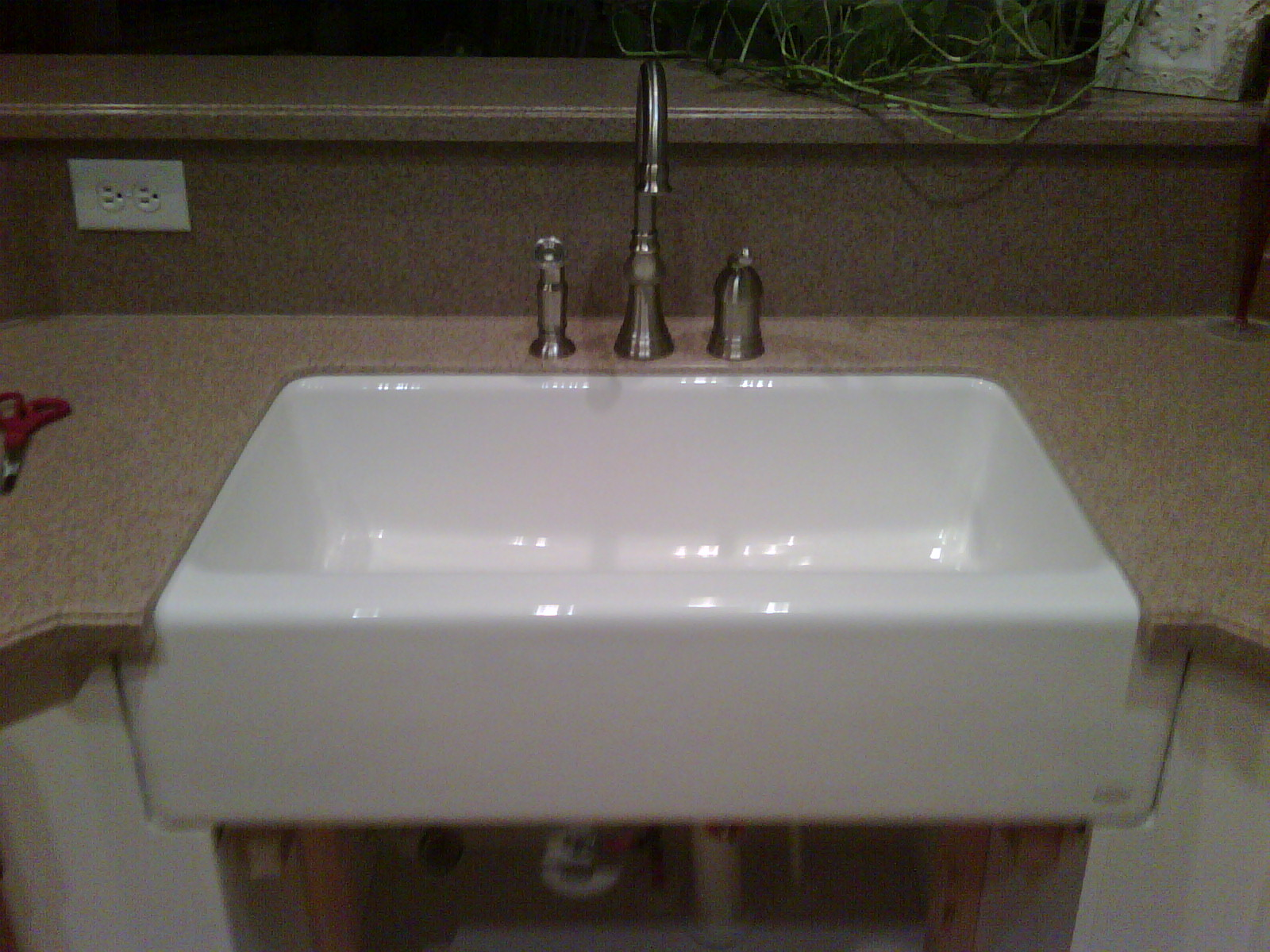 Pakas Collection Farmhouse Sink Installation With
