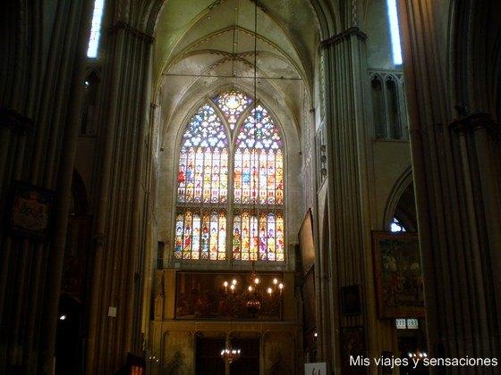 Interior de la Catedral de San Salvador, Brujas, Bélgica
