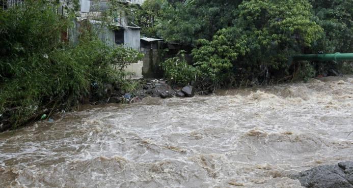 Ascienden a seis los muertos causados por la tormenta Nate en Costa Rica