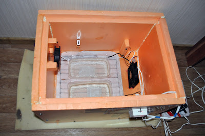 Самодельный инкубатор. Устройство внутри