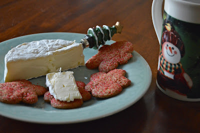 Pepperridge Farm Gingerman cookies with brie cheese #Christmasfood