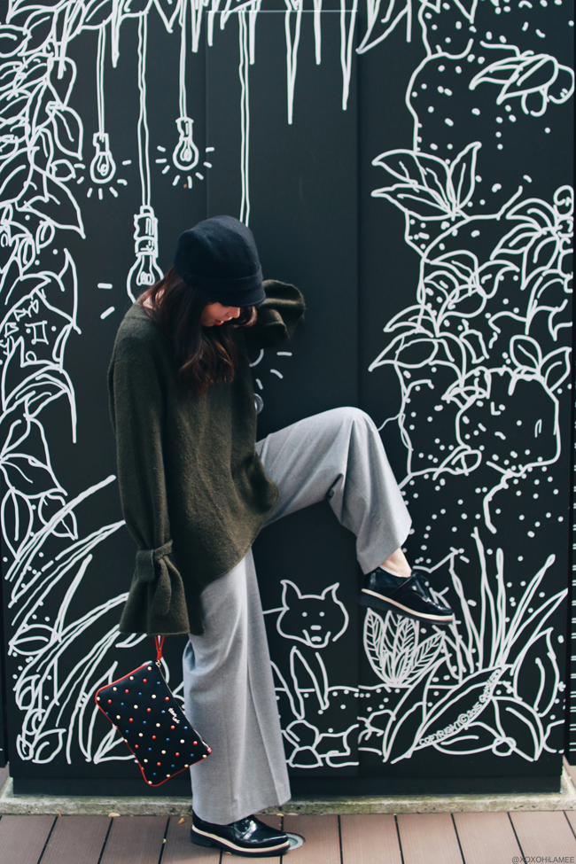 ファッションブロガー日本人,Mizuho K,今日のコーデ,ZARA_カーキ フレアスリーブ ニットセーター,グレー ワイドパンツ,vonBraun おじ靴,UNIQLO 帽子,ストール,Missco girl_マルチカラースタッズクラッチバッグ、シンプルストリートカジュアルスタイル