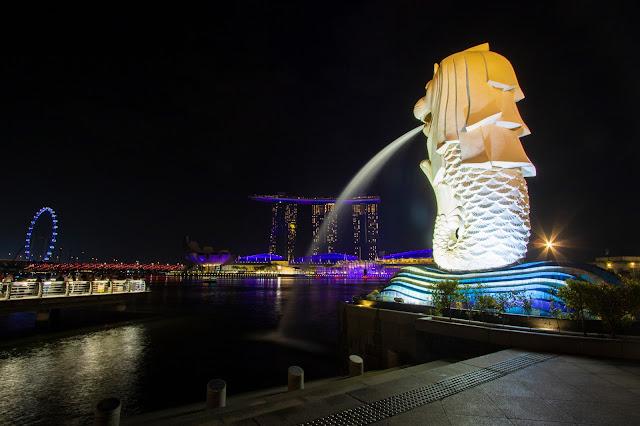 Marina Bay sands e Merlion by night-Marina Bay-Singapore