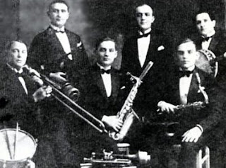 Artur Gold and Jerzy Petersburski orchestra