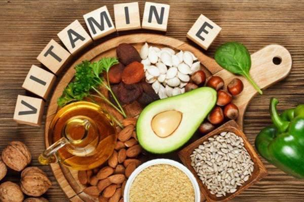 Vitamin E yakni nama yang diberikan untuk dua kelompok molekul yaitu  Manfaat Vitamin E Untuk Kesehatan Kulit