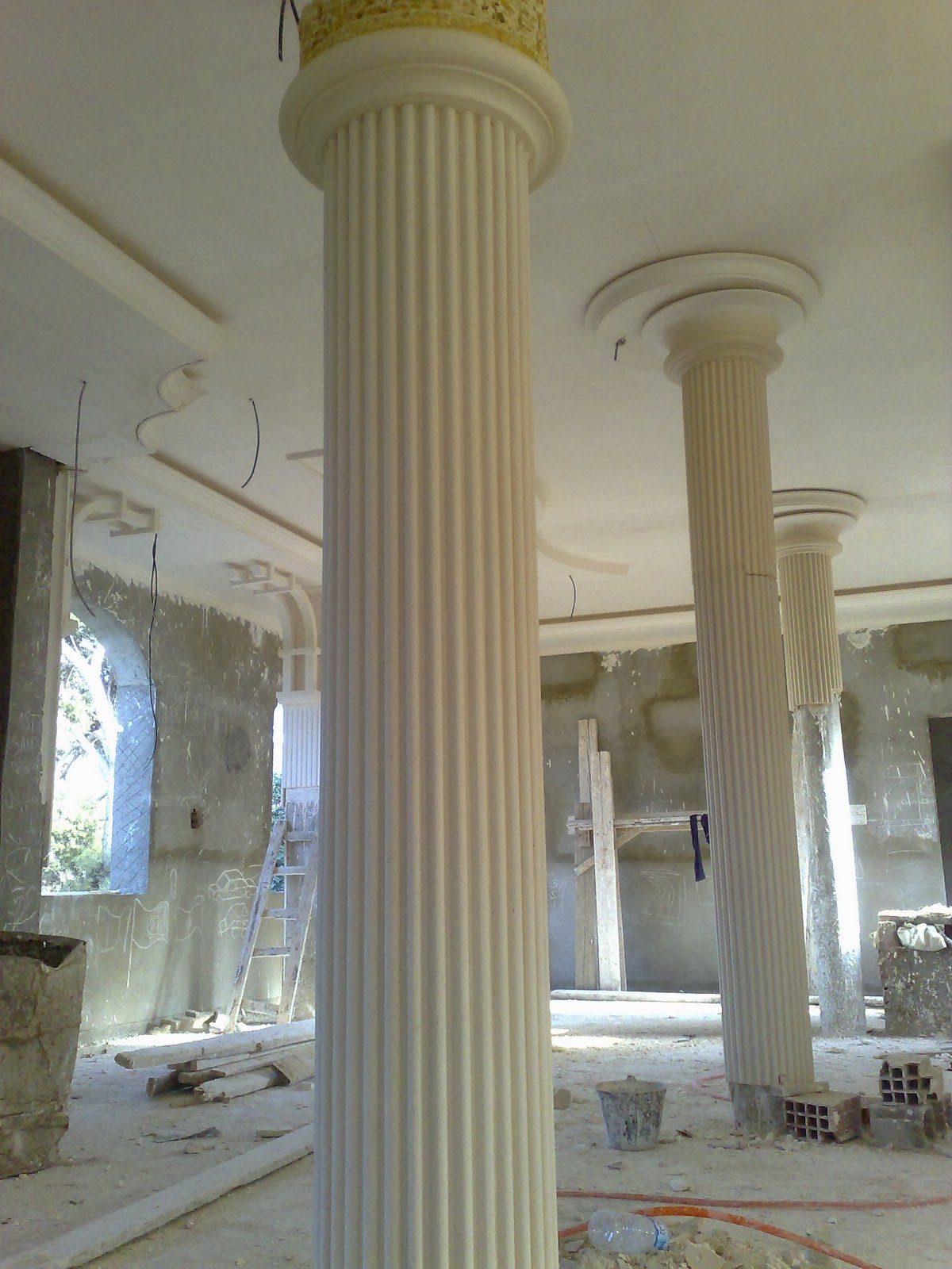 Colonnes grecques platre for Colonne platre decor