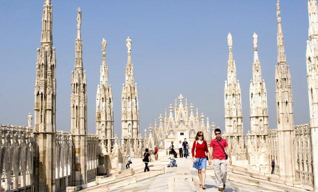 Muito tempo de viagem em Milão