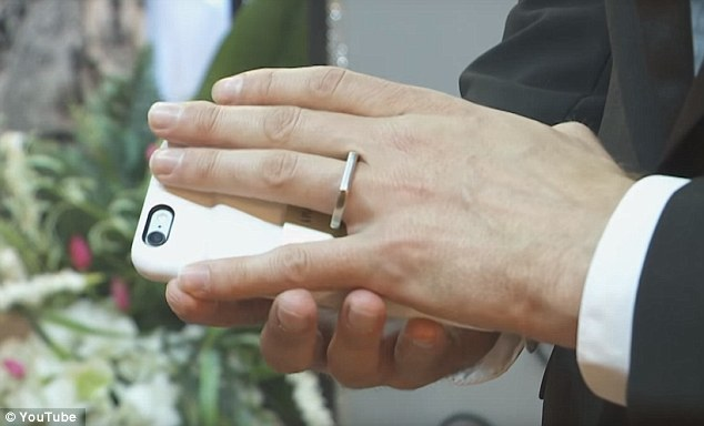man marries apple iphone nevada