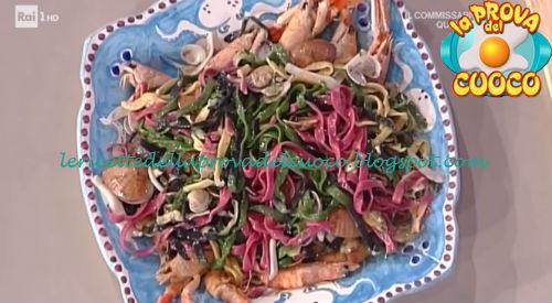 Tagliolini multicolori al sugo di pesce ricetta Improta e Salvatori da Prova del Cuoco