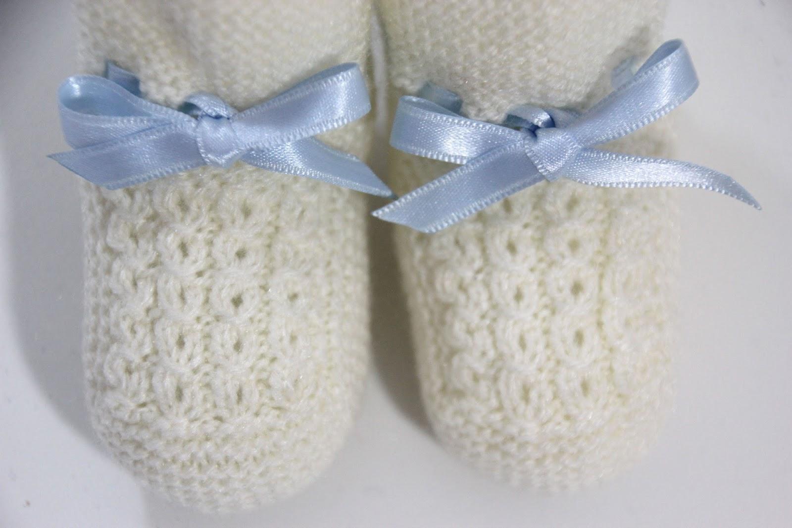 DIY Tutorial y patrones: Patucos de bebé tejidos con dos agujas :D ...