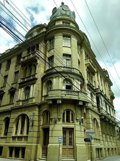 Grande Hotel, junto à Praça Coronel Pedro Osório, no Centro Histórico de Pelotas