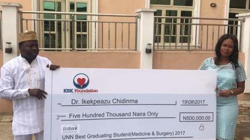 Lady Who Got 10k As UNN Best Graduate Receives N500k