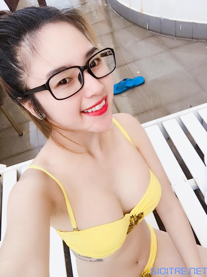 Ngân Nguyễn: Chói chang quá đi!!!