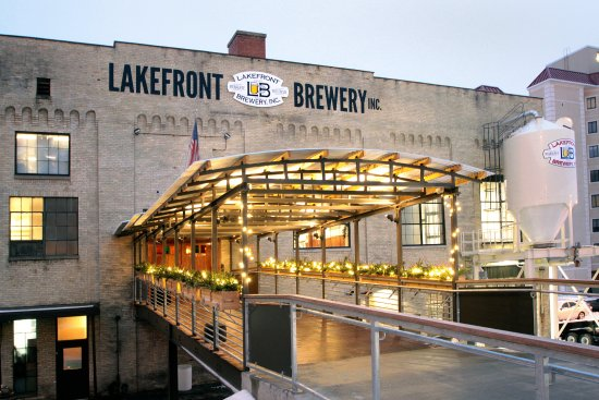 Best Breweries In Milwaukee With Food