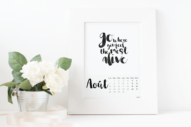 Mockup calendrier aout