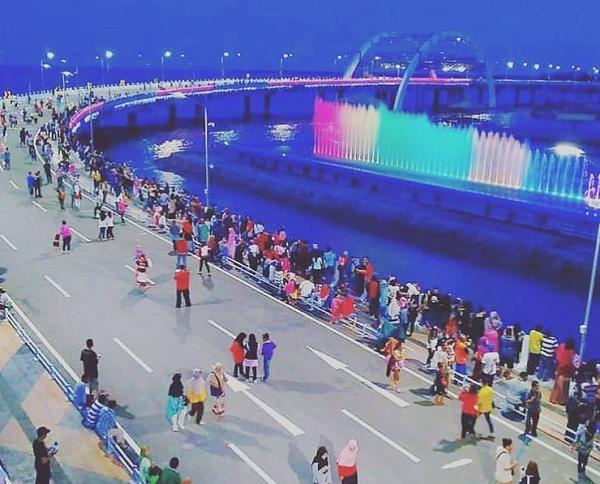 tempat wisata di Surabaya Jembatan Biru Kenjeran