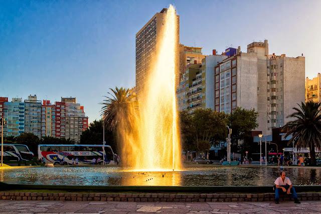 Fuente con chorro de agua en Mar del Plata