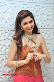 Harshada Patil Pictures at Manepally Jewellery Exclusive Diamond Collection Launch  0083.JPG