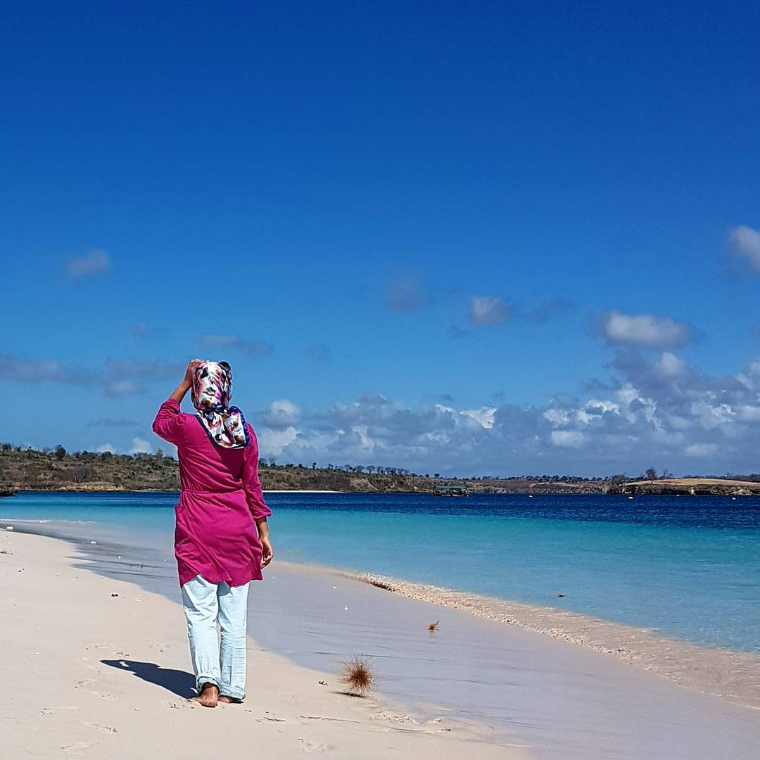 Gambar Pink Beach Lombok
