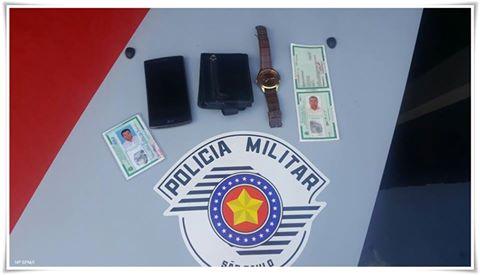 POLÍCIA MILITAR PRENDE ESTELIONATÁRIO QUE TENTOU APLICAR GOLPE EM AGÊNCIA BANCÁRIA DE JUQUIÁ