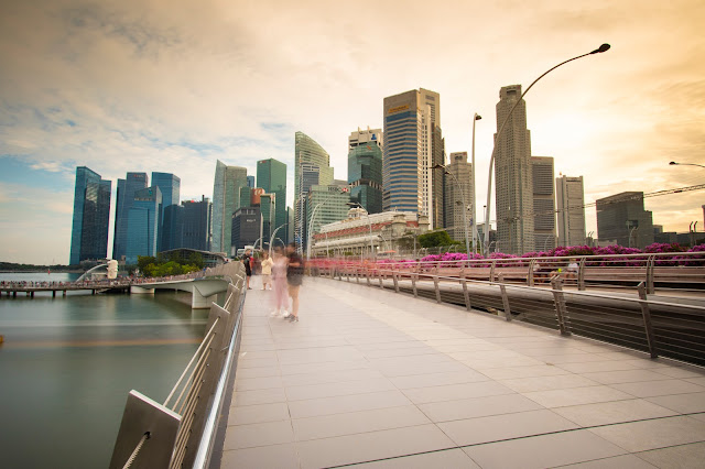 Jubilee bridge-Esplanade-Singapore