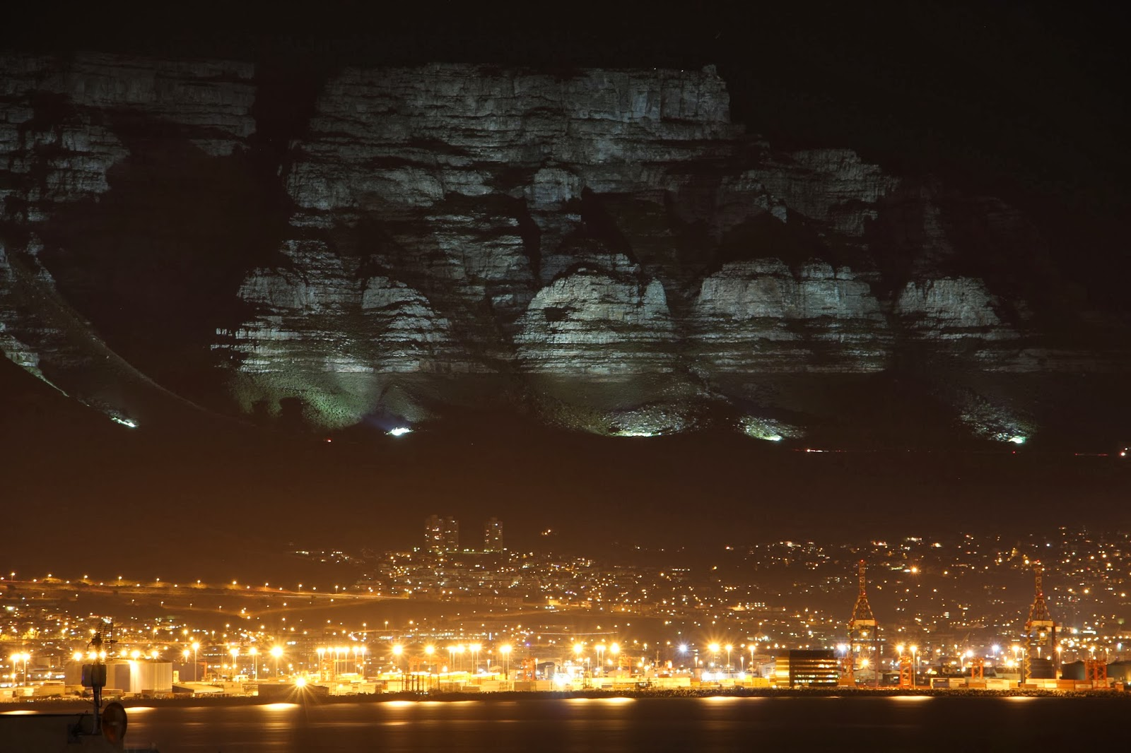 Canon EOS 700D Bulb Mode / Long Exposure Demonstration Table Mountain