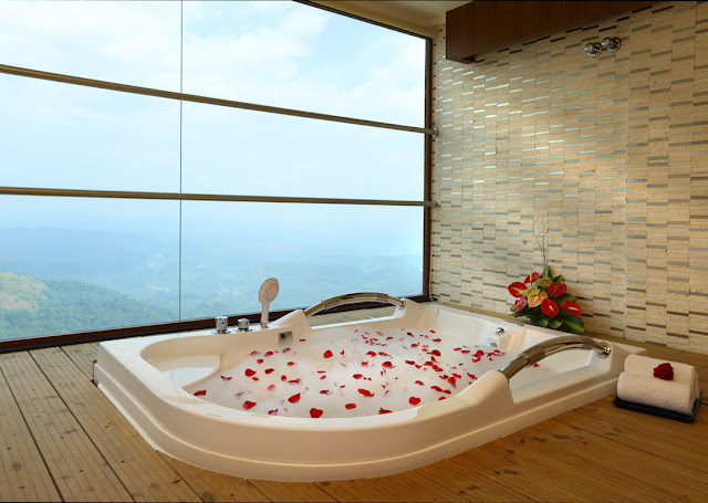Jacuzzi Suites in plum judi munnar, rates for plum judy