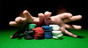 Apakah Anda ingin bermain di turnamen poker gratis