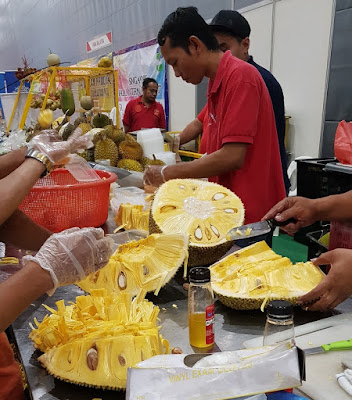 Malaysia's Federal Agricultural Marketing Authority (FAMA) had a booth where fresh jackfruit was available for sale.