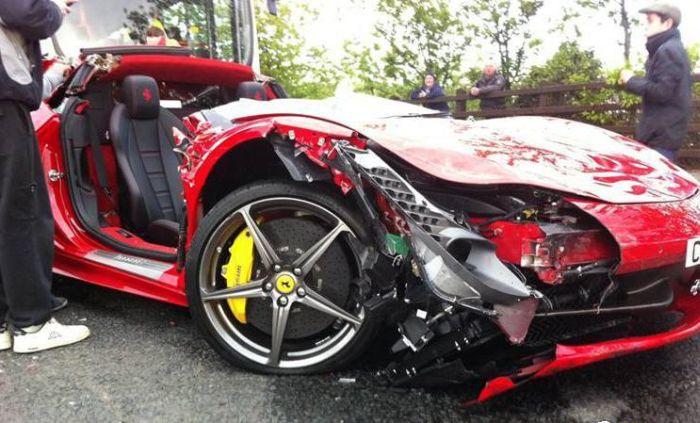 Impactante Accidente De Un Ferrari 458 Encabezeta
