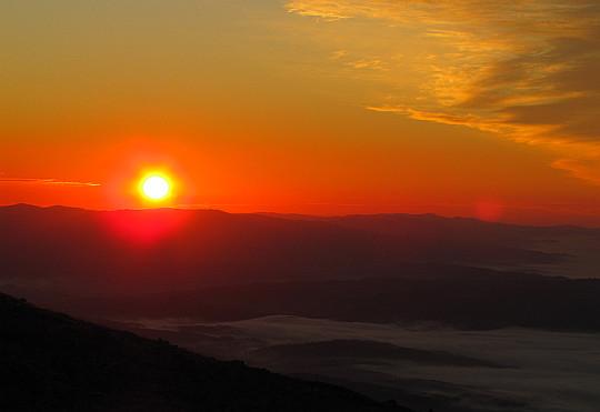 Wschód słońca z Babiej Góry. Godzina 6.38.