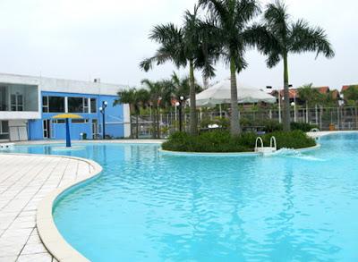Bể bơi bốn mùa Quang Minh