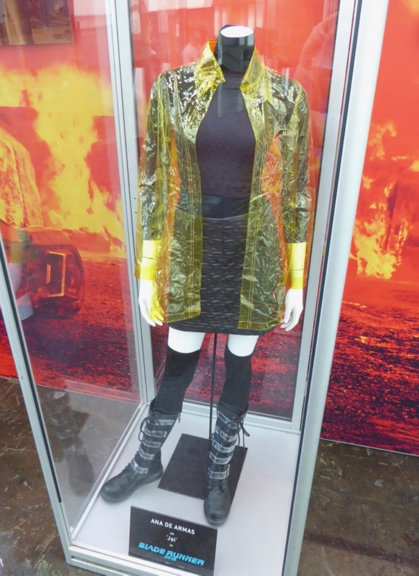 Hollywood Movie Costumes And Props Blade Runner 2049 Movie Costumes On Display