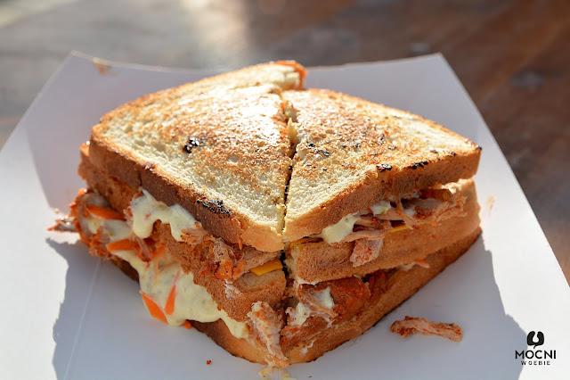 Zdjęcie: kanapka z foodtrucka trzy świnki