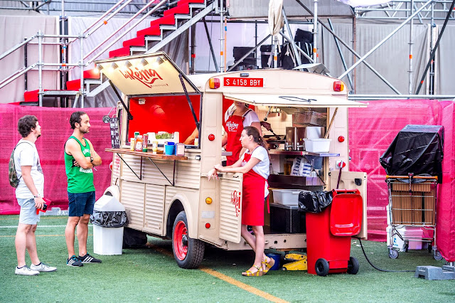 Food truck low 2015