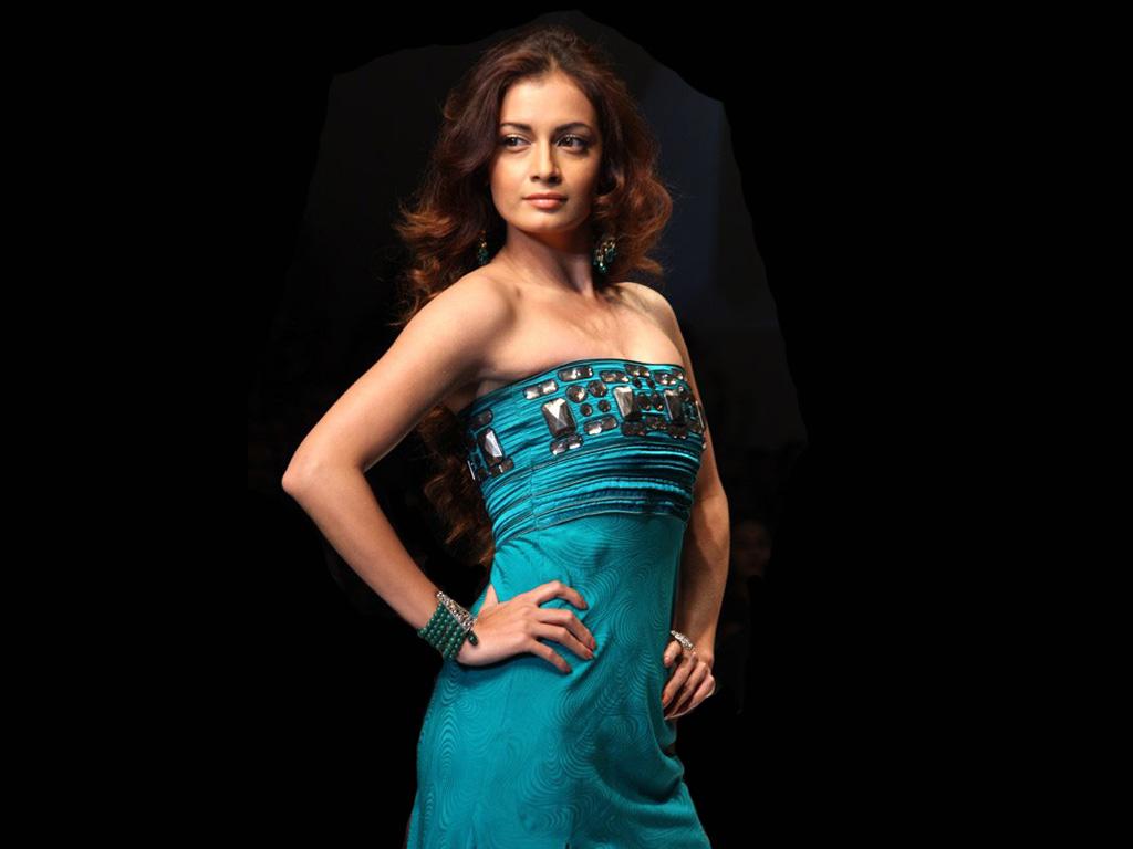 Indian Actresses Hub Diya Mirza Hot Pics Hub-8539